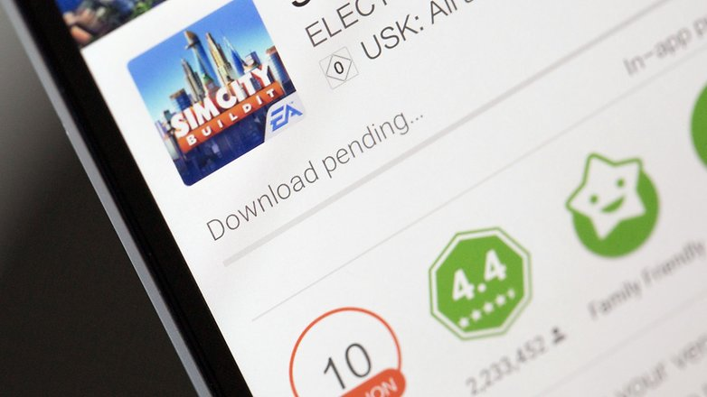 play store showing download pending